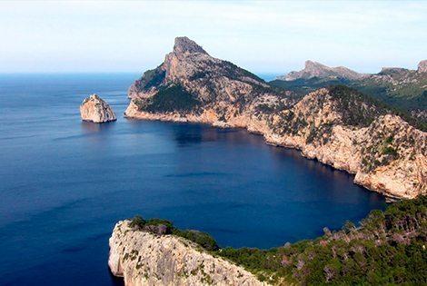 Мы предлагаем Вам в течение дня ознакомиться с северо-восточной частью острова – Монастырем Льюк и мысом Форментор.
